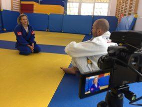 Eldo jedzie do Tokio, judo na macie i w radiu