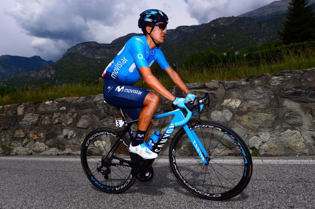 Richard Carapaz na trasie Giro. Fot. Newspix
