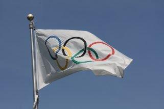 Pod olimpijską flagą. O sportowcach niezależnych na igrzyskach