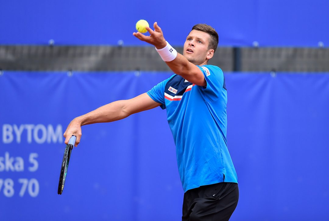Tenis. Dwa mecze Hurkacza i losowanie Australian Open