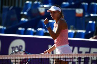 Znakomita Linette, krecz Barty. Polka pokonała liderkę rankingu WTA!