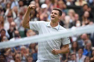 To się stało! Hurkacz pokonał w trzech setach Federera i awansował do 1/2 Wimbledonu!