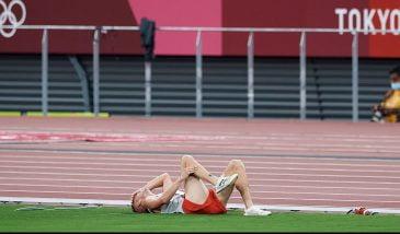 Dramat Lewandowskiego, Rozmys bez buta, ale uratowany. Pechowy bieg na 1500 metrów